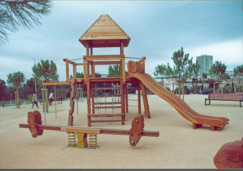 ensemble ludique bois cabanes ponts passerelles pour parcs jardins publics. Black Bedroom Furniture Sets. Home Design Ideas