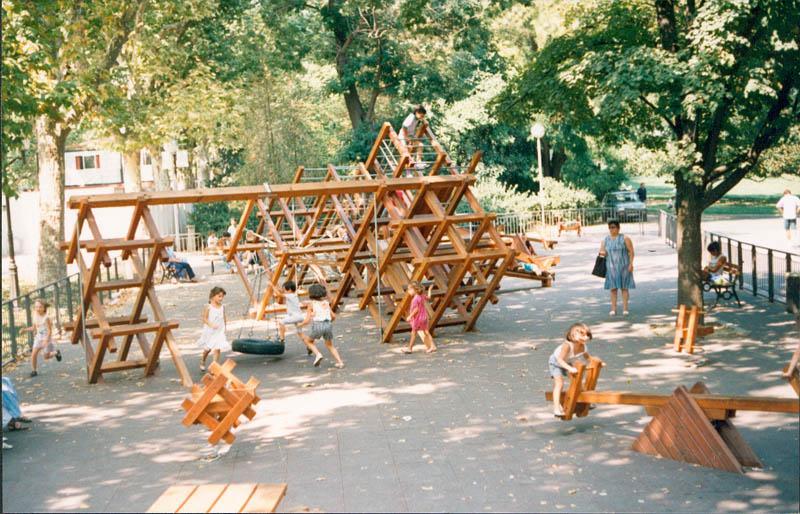 aires de jeux au design contemporain en bois pour parcs. Black Bedroom Furniture Sets. Home Design Ideas